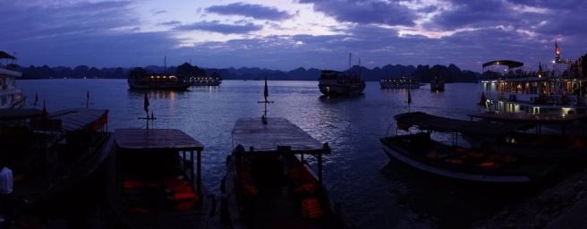 ha-long-bay-night