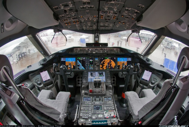boeing-787-flight-deck